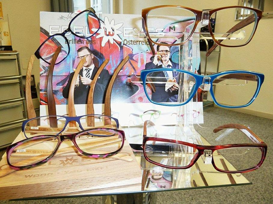 Streun F. Augenoptiker - Brillen / Gläser - Bern